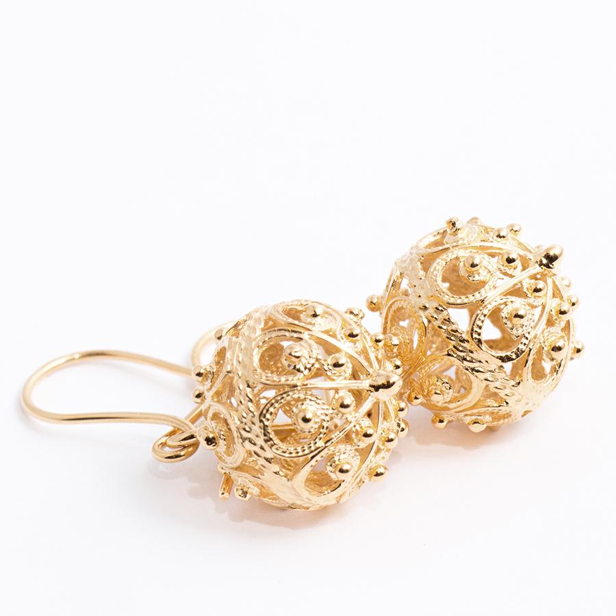 zlatni-botuni-naušnice