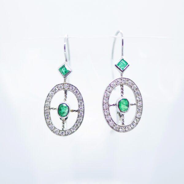 Dijamantne zlatne naušnice sa smaragdima