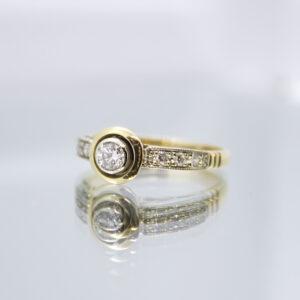 Dijamant - zlatni prsten